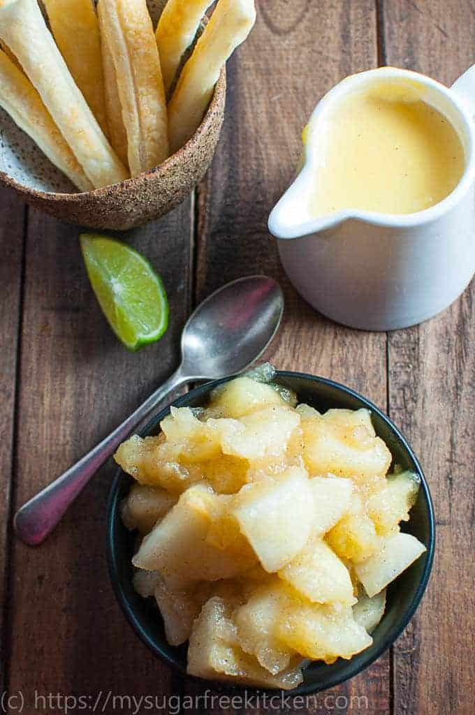 LIghtly spiced chunky apple filling recipe that is easy and sugar free.