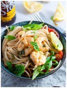 Light and juicy lemon garlic prawn pasta with wholemeal spaghetti