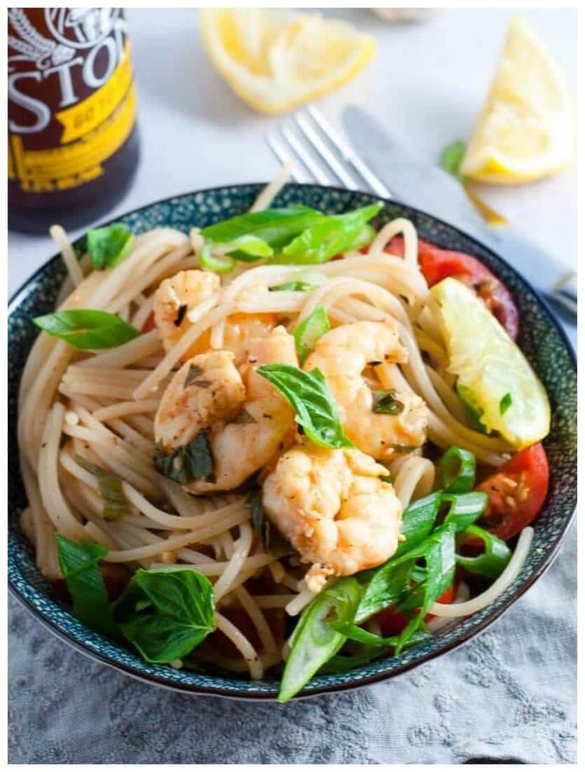 Light and juicy lemon garlic prawn pasta with wholemeal spaghetti