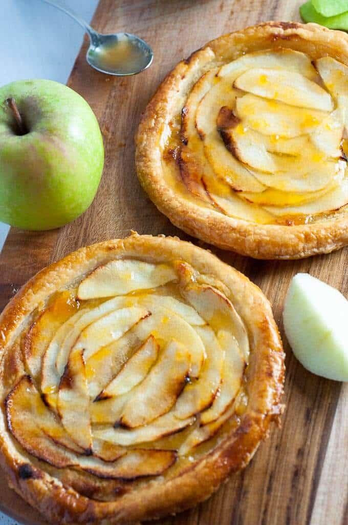 Easy sugar free apricot glazed apple tart for dessert