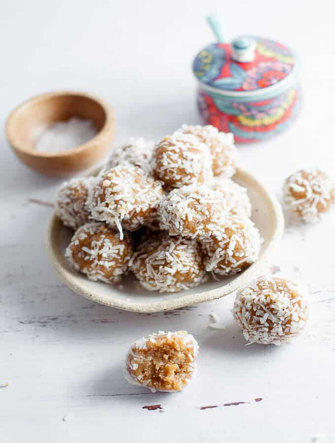 Date free bliss balls featured image