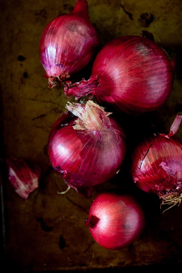 A tray of red onions