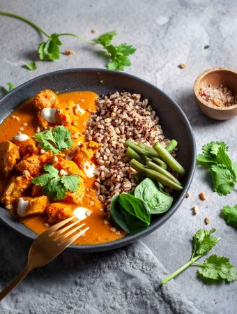 Mango chicken curry slow cooker with fork