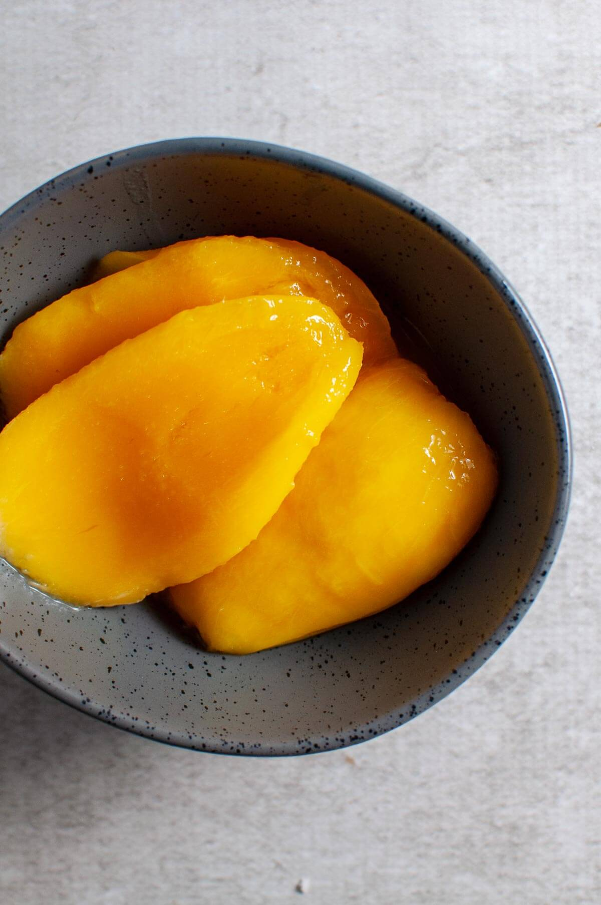 mango cheeks in a bowl