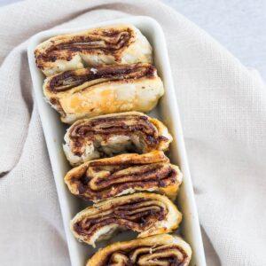 small platter of cinnamon rolls